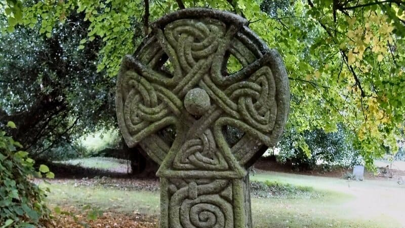 tiradas de runas en cruz gratis