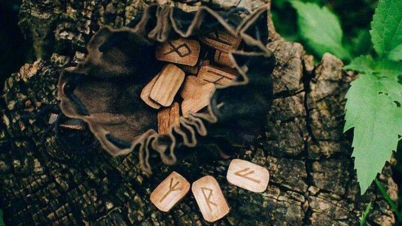 como hacer una runa de madera