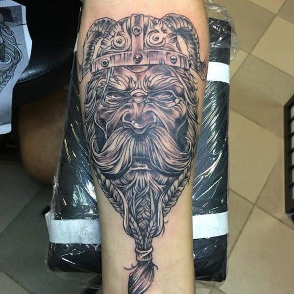 modelos de tatuajes vikingos