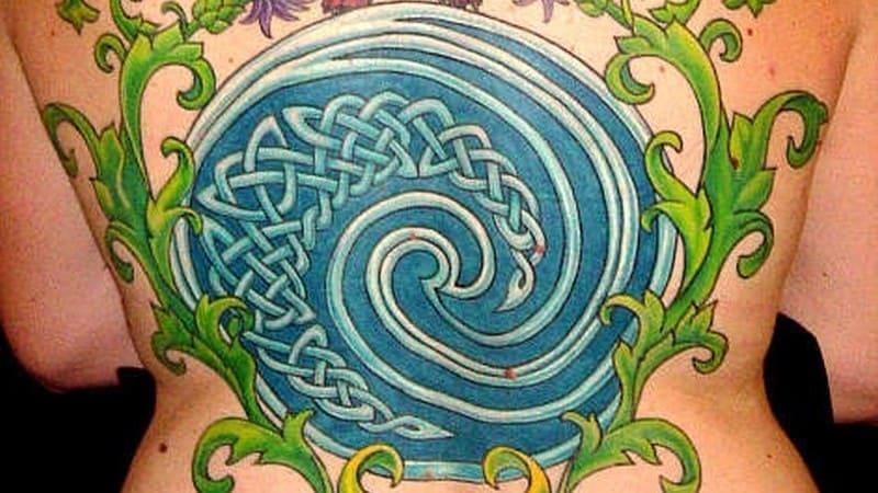 tatuajes celtas para hombre espiral