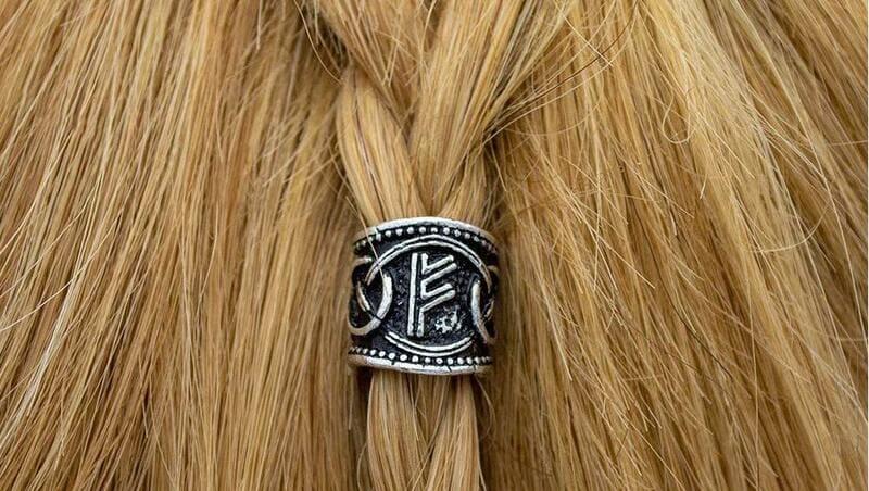 cuentas de runas vikingas para barba y pelo