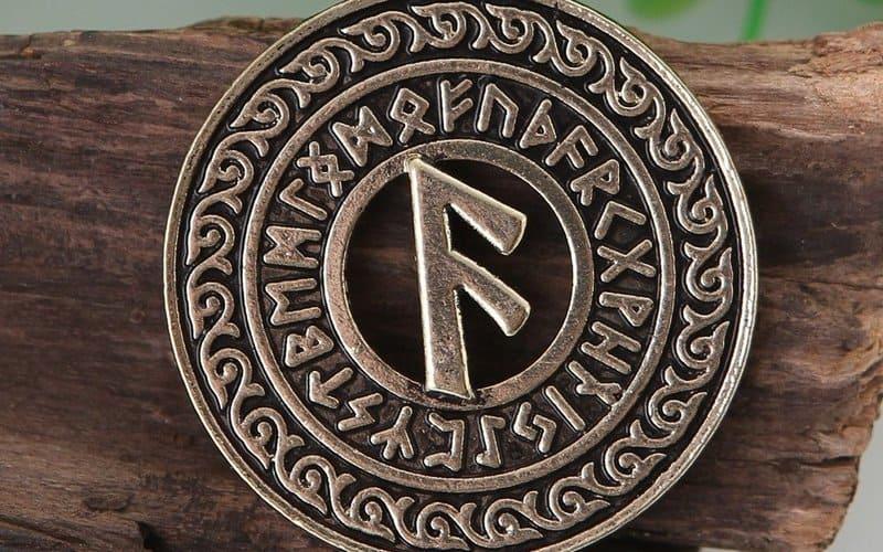 amuleto runa ansuz