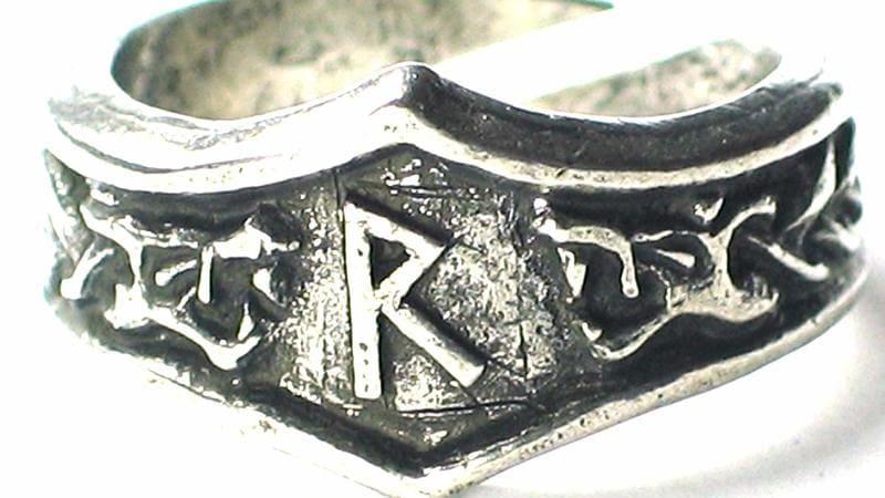 anillo runa raido significado mágico