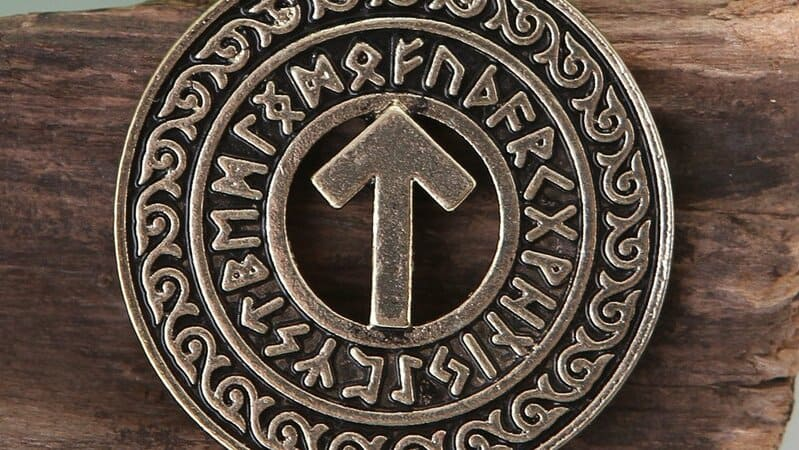 meaning tiwaz rune meaning