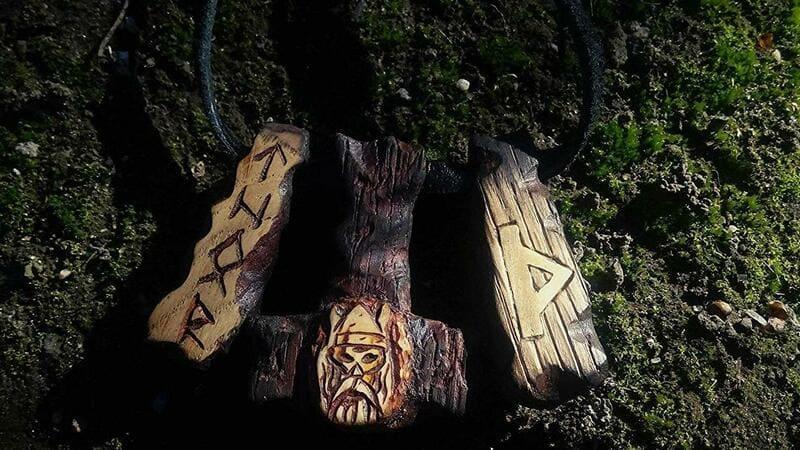 runa thurisaz en el tarot
